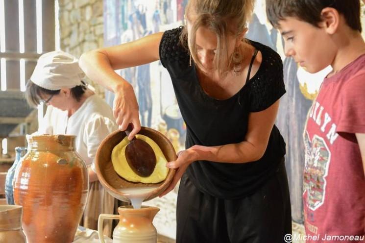 Fabrication du beurre à Poul-Fetan