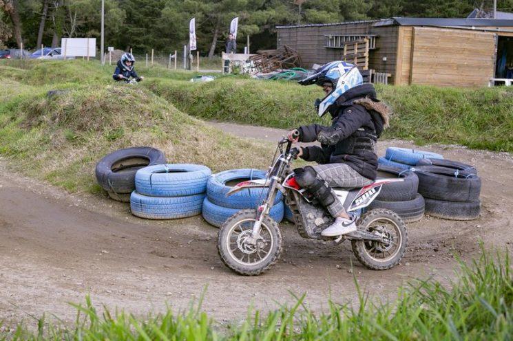 Moto électrique pour les 5-11 ans