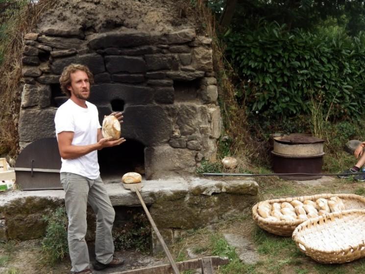 Sortie du four à pain