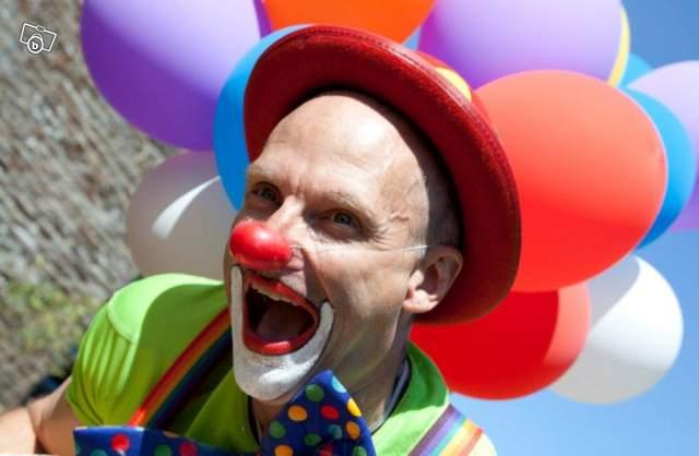 Organitou, un clown magicien